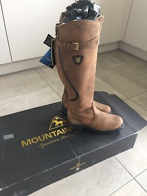 Mountain Horse Snowy River Boots size 6 Wide