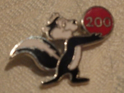 Looney Tunes Pepe Le Pew 200 Bowling Pinback