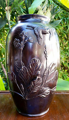 ANTIQUE JAPANESE BRONZE VASE / ARTIST SIGNED 19th C. EDO ERA / BIRDS & FLOWERS