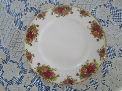 Royal Albert Replacement Dinner Plate. 26cms Across. Old Country Roses