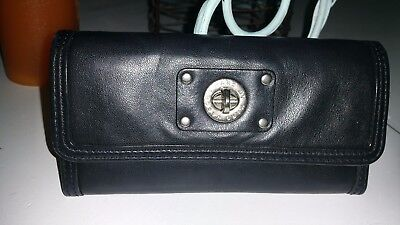 a5fc43de1d8 MARC BY MARC JACOBS totally Turnlock Black Leather Clutch Wallet ...