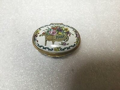 Halcyon Days Enamels Oval Shape 1982 Trinket Pill Box Flower Cart