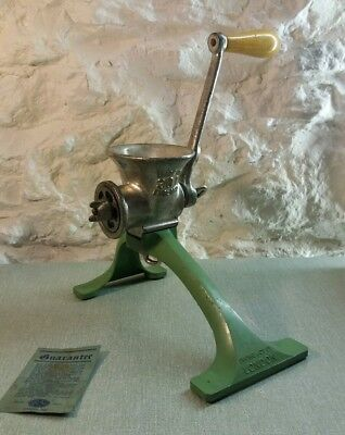 Vintage Retro Boxed Spong's No-Clamp Meat Mincer Table Top