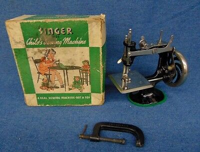 1920s-30s Singer No.20 Cast Iron Child's Sewing Machine Hardly Used! w/Clamp,Box