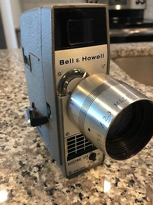 Bell and Howell 8mm Movie Camera Electric Eye Comar Zoom PLEASE LOOK AT PICTURES