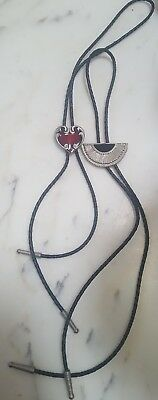 lot of 2 Vintage Bolo Ties Western Design & 1987 SISKIYOU BUCKLE CO Red Heart