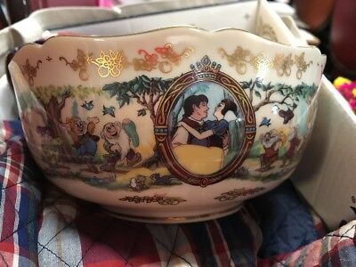 Disney's Snow White Limited Edition Anniversary Bowl By Lenox 1996