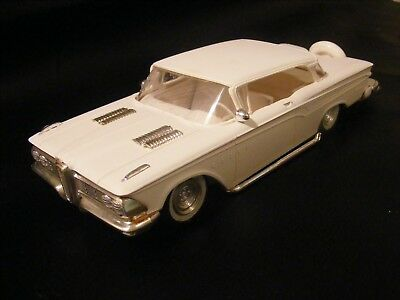 SUPER NICE! AMT 1959 EDSEL HARDTOP ORIGINAL ANNUAL SCREWBOTTOM      -johan