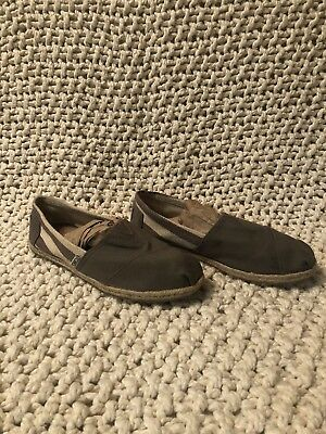 10fee2478ff AUTHENTIC WOMENS TOMS Classic Canvas Slip Ons -  10.00