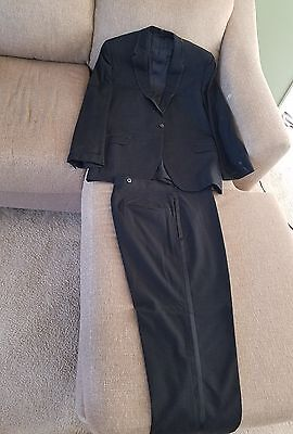 Vintage Mens black suit Read