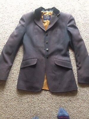windsor riding / hunter jacket size 8, excellent condition.