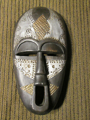 Wooden wall mask from Ghana / Africa (#88)