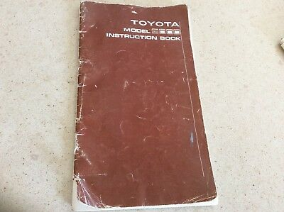 Sewing machine instruction book for TOYOTA Model 8000