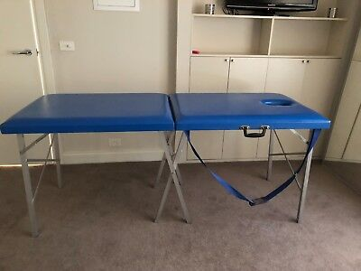 Portable massage table in very good condition, folds up for easy transport