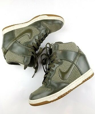 buy popular 5167b 4edf5 Nike Women s Dunk Sky Hi High Rare Green Zig Zag Pattern Size 6
