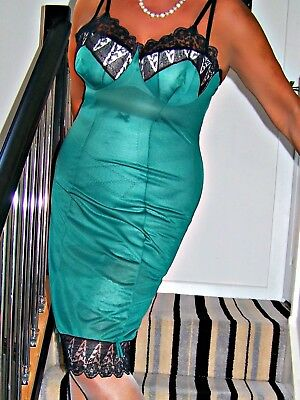Stunning Vintage Ultra Sheer Emerald Green Nylon/ Black Lace Full Slip.large