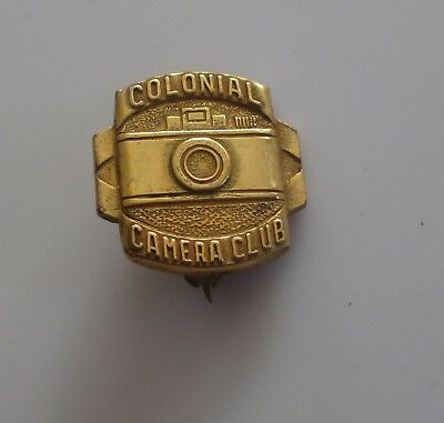 Nice Vintage 60's COLONIAL CAMERA CLUB Pin (NJL105