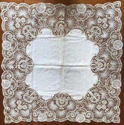 """Antique Vtg Handmade Needle Lace Table Topper Tablecloth Detailed Work 35"""""""