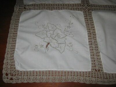 Vintage  Embroidered And Lace Tablecloth  ~ Light Beige ~ 0Blong