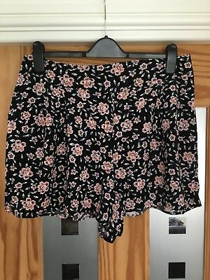 Ladies Shorts Size 20 New Look Inspire
