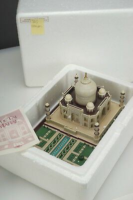LENOX Great Castles of the World 1995 The Taj Mahal