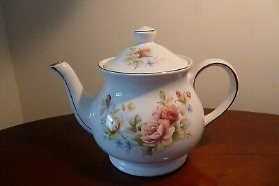 Pretty Shabby Chic Vintage Sadler Floral Rose Design Teapot -  Pint capacity