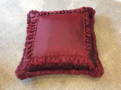 Large Tasselled Cushion Cover Colour Wine/maroon Size