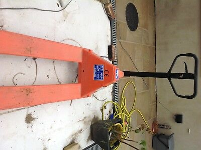 Used Record Hand Pallet Truck