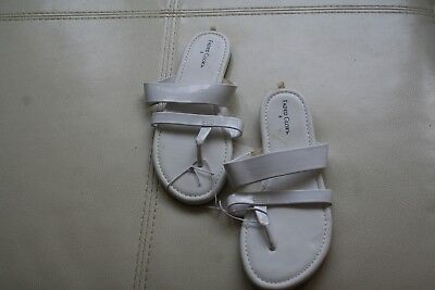 Faded Glory Girls Sandals / Summer Shoes Paton Leather NEW w/tags WHITE - Size 2