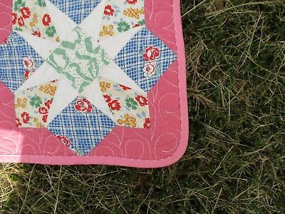 Pink Quilt with Star Pattern using 50s fabric