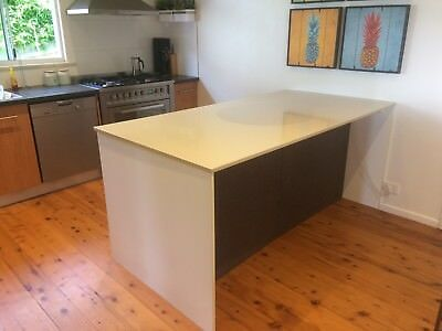 Second Hand Kitchen and Island Bench