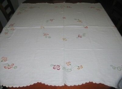 Vintage Hand Embroidered Tablecloth ~ Cream ~ Linen ~ Scalloped Lace Edge