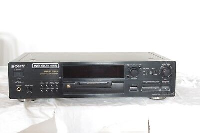 Sony MDS-JB920 Mini Disc Recorder with remote control, manual, disks & leads