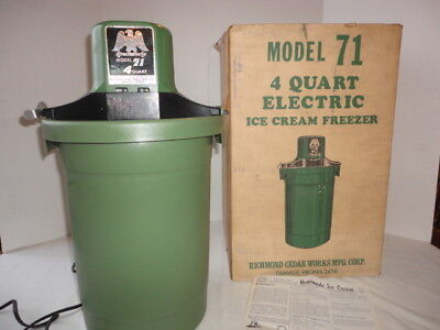 Vintage Richmond Cedar Works Electric Ice Cream Freezer Maker 4 Quart Model 71