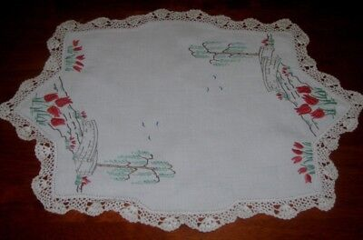 Vintage Hand Embroidered Tablecentre Piece/doily ~ Crocheted Lace Edge ~ Linen