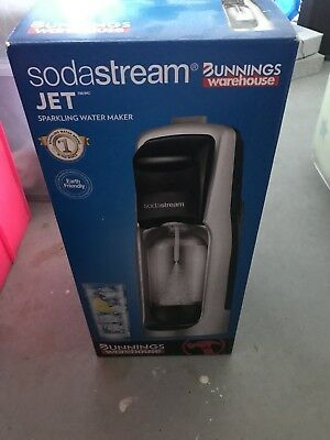 Sodastream Jet Starter Pack Home Soft Drink Sparkling Maker Soda Stream  NEW