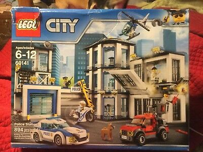 Lego City Police Station 894pc 60141 Brand New Car Truckjail