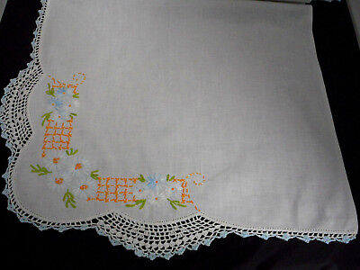 "Vintage Runner Couch Scarf 40 x 18"" Floral Embroidery Crochet 3 Sides White"