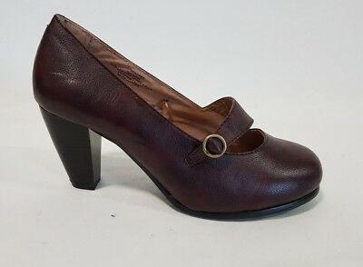 Ladies Shoes Rivers Riversoft Size 37 or 6.5 Burgundy Mary Jane Heels Round Toe