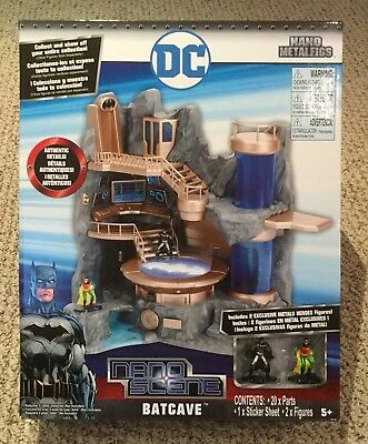 BATCAVE DC NANO SCENE JADA TOYS with EXCLUSIVE BATMAN and ROBIN FIGURES