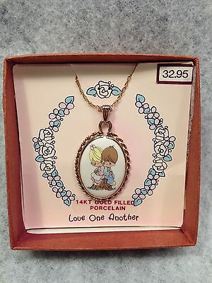 """Precious moments 14Kt gold filled Porcelain """"Love One Another"""" 1991 necklace"""