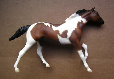 Breyer Horse~Paddock Pals~Little Bit~Bay Tobiano Paint~Thoroughbred #1615~01-03