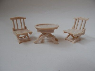 Sylvanian Families - Outdoor garden furniture, foldup table and chairs - Epoch