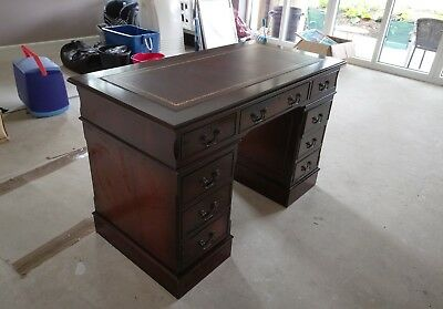 twin pedestal,leather top,yew,desk,drawers,lockable,writing,large,repro,office
