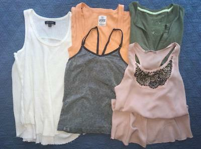Lot 5 Womens Tops AMERICAN EAGLE Victoria Secret's PINK UNDER ARMOUR Size Small