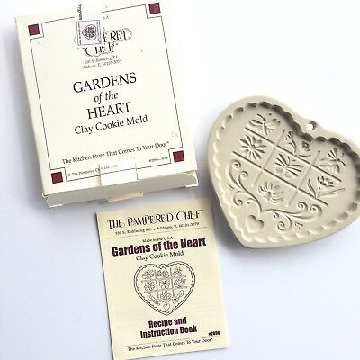 New Pampered Chef Gardens of the Heart Cookie Mold 1996 #2896 Recipes Box