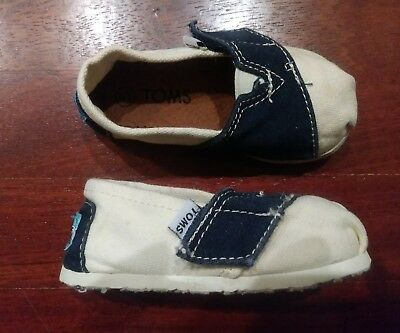 0baed0199133c5 TOMS Tiny Classics Blue   White Infant Toddler Baby Boy Girl Canvas Shoes  Size 5