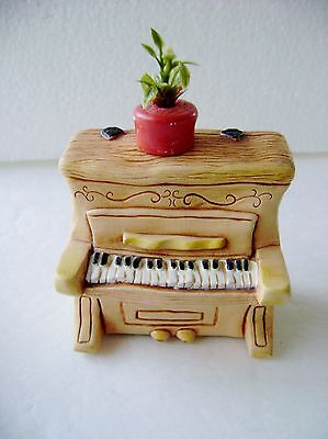 Vintage Pendelfin Hand Painted Piano & Planter Made In England ~ Hand Painted