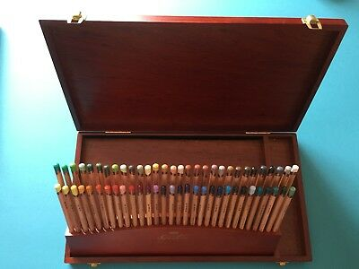 Derwent Signature Colour Pencils Wooden Box