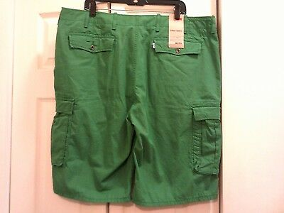 d4cdc50c New! LEVI'S men's NWT emerald green Cargo shorts below the knee Size ...